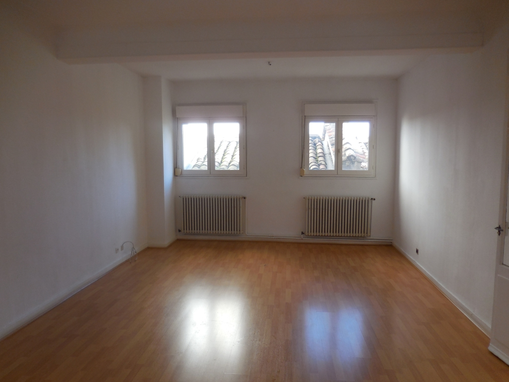 Annonce location appartement m con 71000 91 m 400 for Annonce location appartement