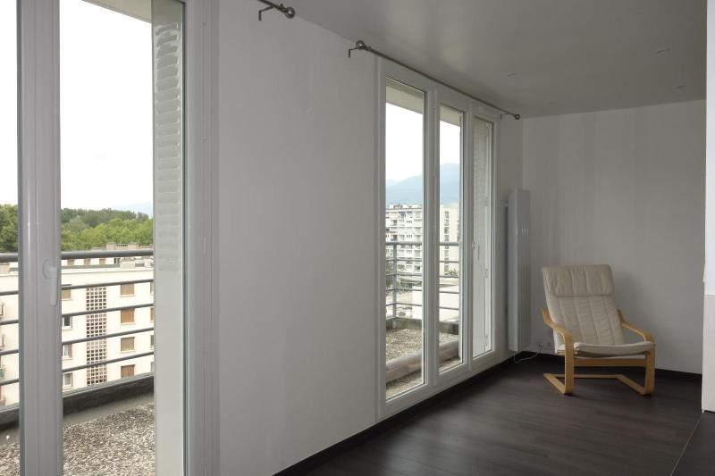 annonce location appartement grenoble 38100 30 m 430 992738351949. Black Bedroom Furniture Sets. Home Design Ideas